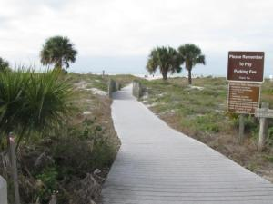 The boardwalk to the Sand Key Beach